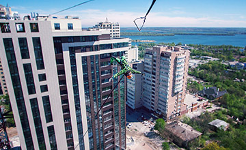 Highline and rope-jumping on the residential complex Panorama in Dnepropetrovsk